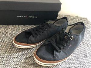 Schuhe von Tommy Hilfiger