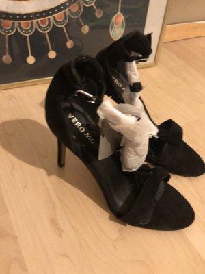 Vero Moda Sandalo con cinturino e tacco alto nero