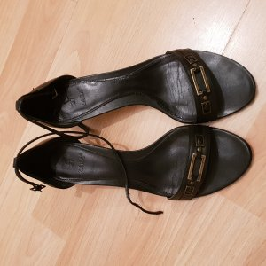 Zara Strapped High-Heeled Sandals black