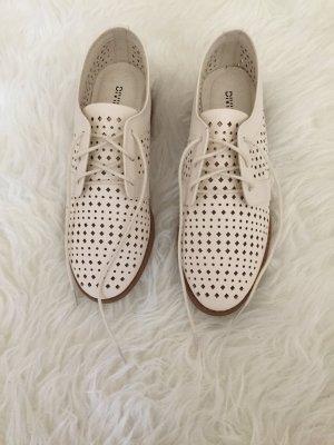 Schuhe zum schnürren neu