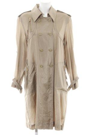 Schuhmacher Trenchcoat creme Street-Fashion-Look