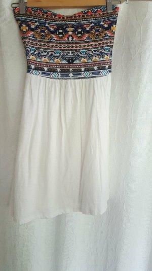 Schulterfreies Bandeau-Kleid mit buntem Bandeau