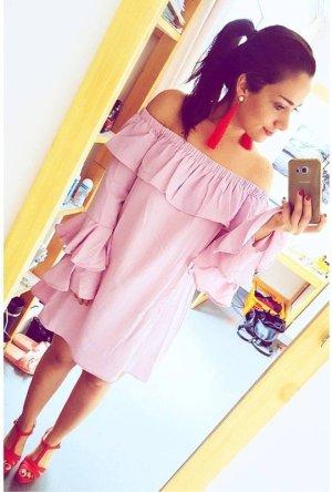Schulterfreies Bohoo Kleid mit Volantärmeln