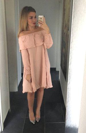 Schulterfreies geradliniges Kleid / Carmenausschnitt