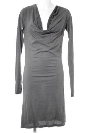 Robe épaules nues gris foncé style décontracté