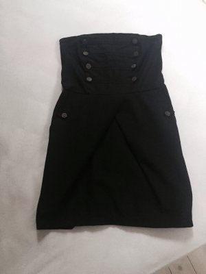 Schulterfreies Kleid im 50's Style
