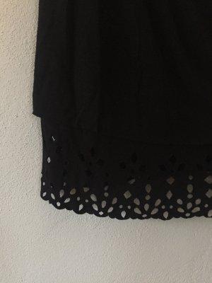 Schulterfreies Kleid mit cut-outs