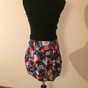 Schulterfreies Kleid mit geblümtem ballonrock