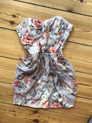 """Schulterfreies Kleid mit romantischem Rosenprint von """"Rare"""" by Topshop"""