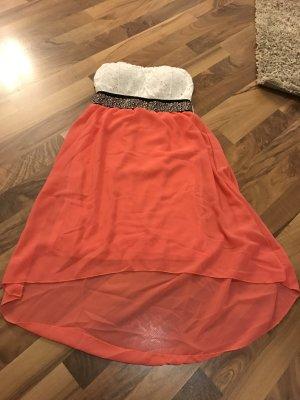 Schulterfreies Kleid mit Wasserfall Schleppe