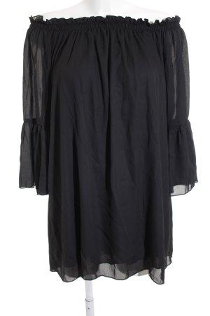 schulterfreies Kleid schwarz Street-Fashion-Look
