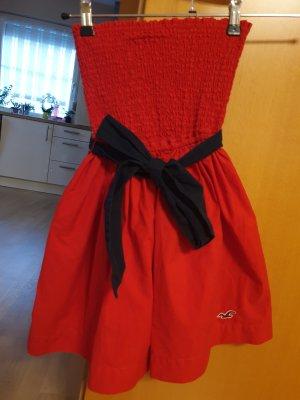 Schulterfreies Minikleid von Hollister