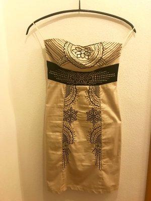 Schulterfreies Paillettenkleid