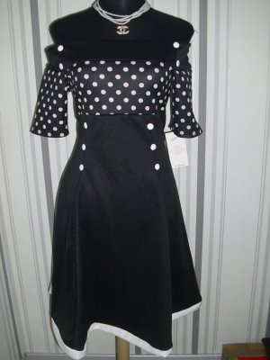 Robe avec jupon noir-blanc tissu mixte