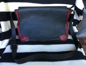 "Schultertasche/Crossbodybag ""& other stories"" mit passender Clutch"