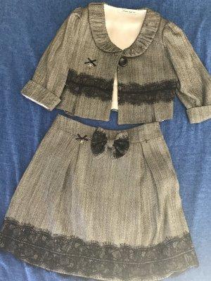 Schuluniform für Mädels