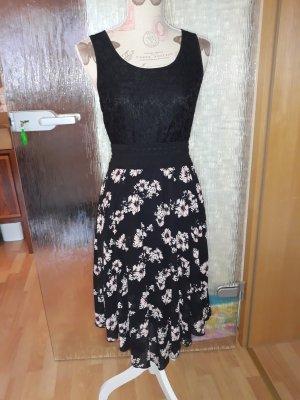 schwartzes Sommerkleid