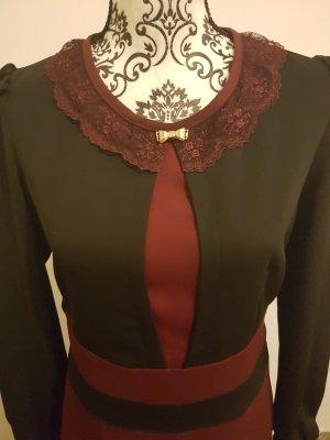Schwarz- Bordeux farbenes Kleid