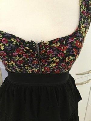 Schwarz-geblümtes Kleid mit Reißverschluss