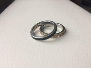 schwarz / gold Ringe