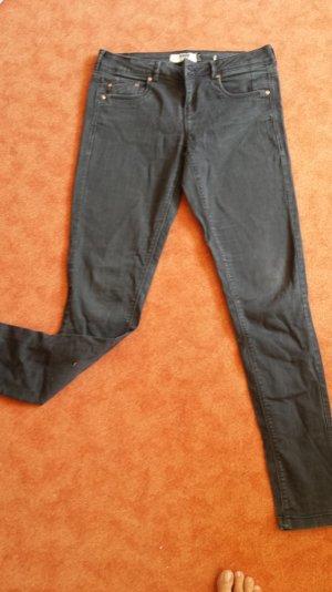 Schwarz-graue Bershka-Hose, kaum getragen
