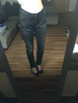 Schwarz-graue Chino Jeans