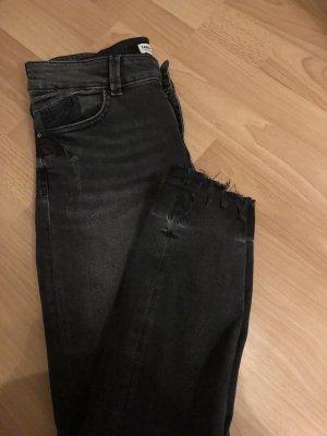 Schwarz graue Hose von ZARA Gr.38