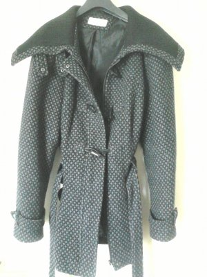 Schwarz-graue Jacke mit großem Kragen in Waffelmuster in Wolloptik, Gr. 42/44