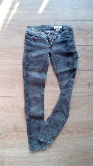 Schwarz/graue Skinny Jeans