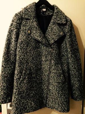 Schwarz grauer Mantel