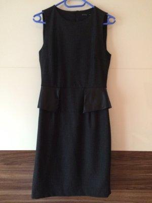 Schwarz graues Kleid mit Lederschösschen