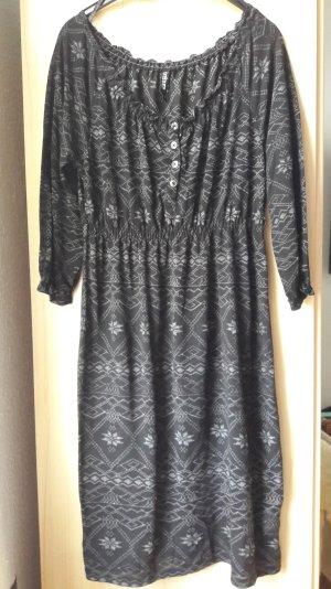 Schwarz-Graues Kleid mit winterlichen Muster  - TAKKO