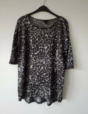 schwarz graues Shirt mit 3/4 Ärmeln im Leoprint . Wie NEU
