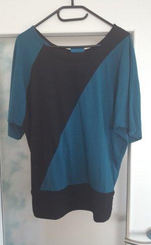 Schwarz-grünes Shirt