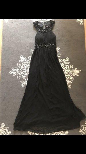 Schwarz Kleid von Ashwi Paris.