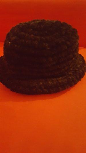 schwarz Mütze von Russland