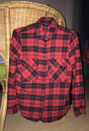 Schwarz-rot kariertes Hemd