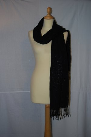 Schwarz-Silberner Schal