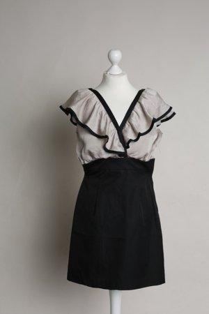 Schwarz- und nudefarbenes Kleid mit Volants