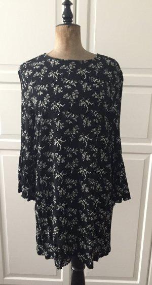 Schwarz weiß gemusterte Tunika/ Minileid mit Volant Ärmeln