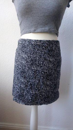 Schwarz weiß gemusterter Rock von H&M