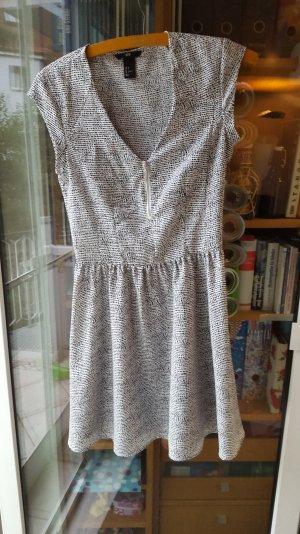 schwarz-weiß gemustertes H&M Kleid in Größe 36