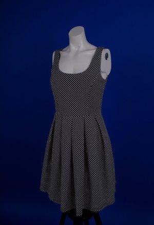 Schwarz & weiß gemustertes Kleid