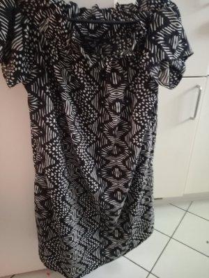 Schwarz weiß gemustertes Rüschenkleid