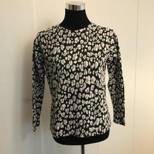Schwarz weiß gemustertes Shirt