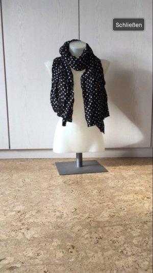 Schwarz weiß gepunkteter Schal