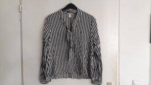 Schwarz - weiß gestreifte Bluse (mit Bänder zum Schleifebinde ;) )