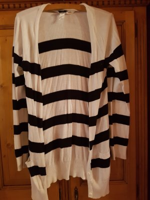Schwarz-weiß gestreifte lange Jacke