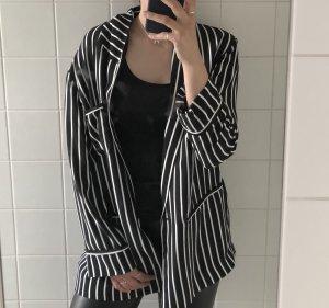 schwarz weiß gestreifter Blazer