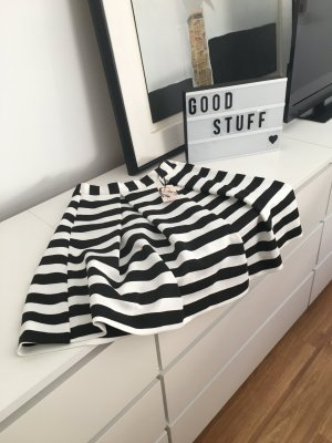 Flared Skirt white-black